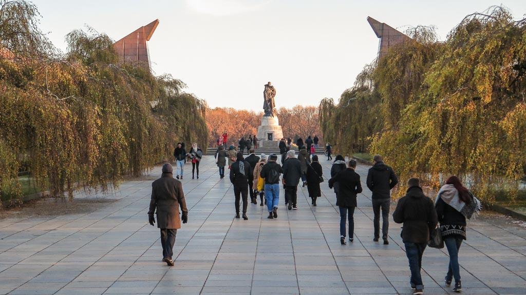 private walking tour berlin