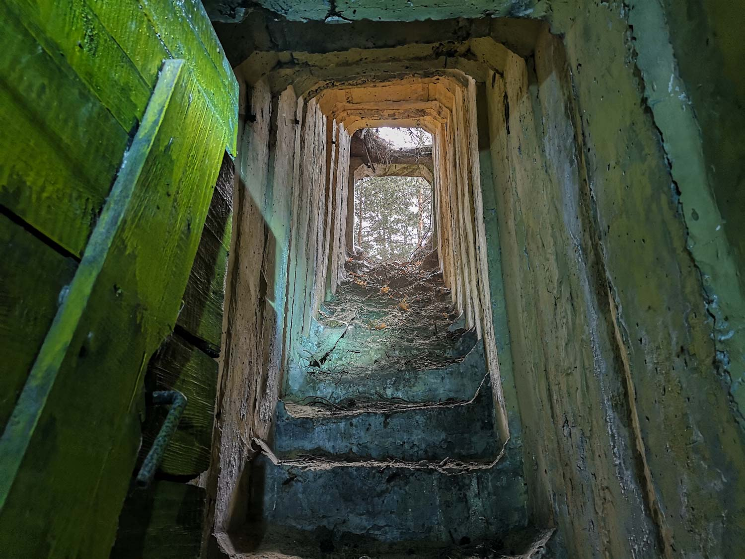 secret soviet cold war bunker near berlin